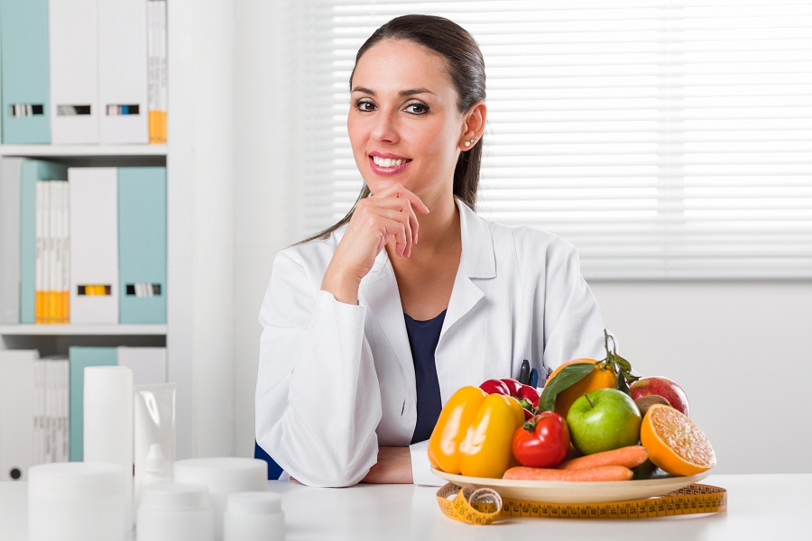 How Can a Holistic Nutritionist Help You?